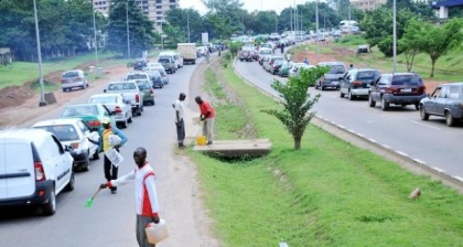 nta-image-gallery-fuel-queues-in-Abuja-420x224